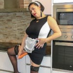 Maturenl - Naughty housemaid Linda Porn plays with carrots