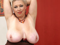 Maturenl - Big breasted mature slut playing with herself