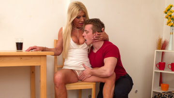 Maturenl - Horny housewife sucking and fucking her toy boy