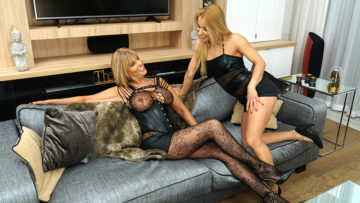 Maturenl - Hot MILF having great fun with a steamy lesbian mom