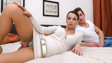 Maturenl - Hot mom fucking and sucking her toy boy