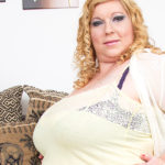 Maturenl - Huge breasted mature lady playing with her pussy