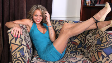 Maturenl - Naughty American MILF playing with herself on the couch