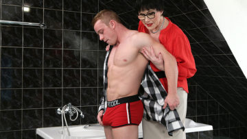 Maturenl - Naughty mature lady catching a toy boy in the bathroom