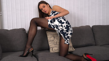 Maturenl - Naughty mom with a panty and high heels get wet