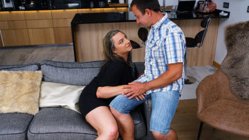 Maturenl - This curvy mature lady does her boyfriend hard and good