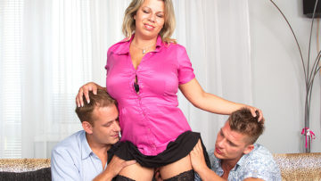 Maturenl - Big Breasted Housewife Sucking And Fucking In A Threesome