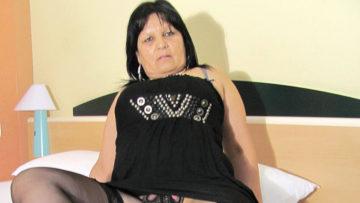 Maturenl - Big Breasted Mature Graciela Gets Herself All Round Up