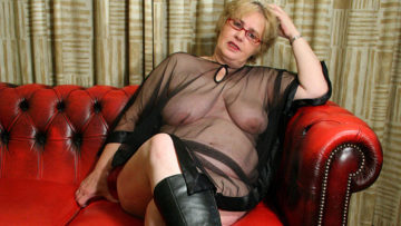 Maturenl - Big Mama Is Ready To Get A Spanking