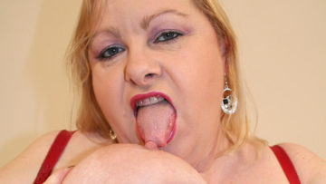Maturenl - Big Mama Playing With Her Huge Tits And Pussy