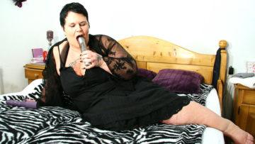Maturenl - Big Mature Slut Loves To Get An Orgasm
