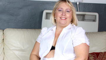 Maturenl - Big Pierced Mature Slut Playing Alone