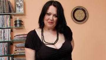 Maturenl - Big Titted Housewife Enjoying A Hard Cock