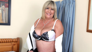 Maturenl - Big Breasted British Mature Lady Playing With Her Toy