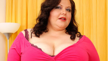 Maturenl - Chubby Mature Slut With Huge Tits Playing Alone