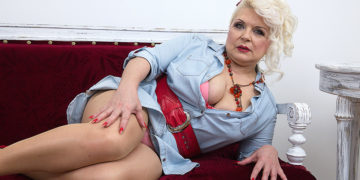 Maturenl - Chubby Mature Lady Fucking And Sucking Her Toy Boy