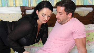 Maturenl - Cute Chubby British Housewife Fucking With Her Lover