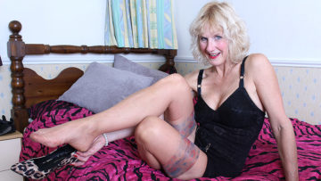 Maturenl - Horny British Mature Lady Getting Wet On Her Bed