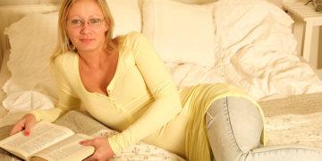 Maturenl - Horny Housewife Fucking And Sucking Hard