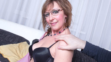 Maturenl - Horny Housewife Fucking And Sucking In Pov Style