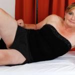 Maturenl - Horny Mature Lady Fucking And Sucking