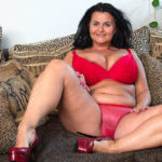 Maturenl - Horny Mature Lady With Huge Natural Tits Playing With Herself