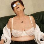 Maturenl - Horny Mature Masturbating Slut With A Dildo