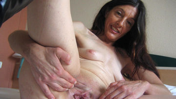Maturenl - Horny Mature Mercedes Takes The Hand On Herself