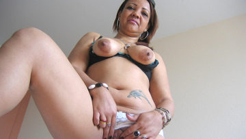 Maturenl - Horny Mature Patricia Loves Playing With Her Toys