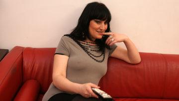 Maturenl - Horny Mature Slut Masturbating On A Couch