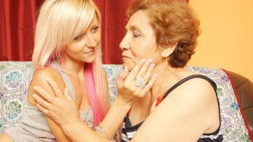 Maturenl - Hot Blonde Babe Doing Her Older Lesbian Lover