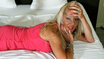 Maturenl - Hot Blonde Housewife Getting Very Wet