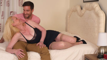 Maturenl - Hot British Housewife Enjoys Her Toyboy