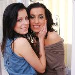 Maturenl - Hot Housewife Having Sex With A Very Cute Lesbian Teen