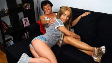 Maturenl - Hot Blonde Babe Doing A Anughy Mature Lesbian