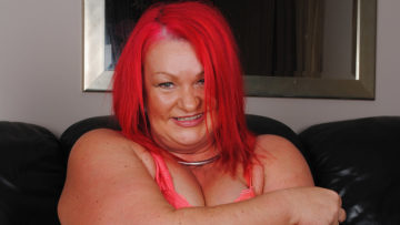 Maturenl - Kinky Big Mature Redhead Pleasing Herself
