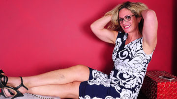 Maturenl - Naughty American Housewife Taking Dirty Selfies