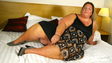 Maturenl - Naughty Big Booty Dutch BBW Playing With Her Toy