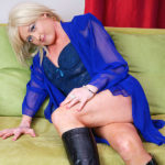 Maturenl - Naughty Blonde Housewife Masturbating On The Couch