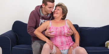 Maturenl - Naughty Mama Fucking And Sucking Her Toy Boy