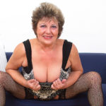 Maturenl - Naughty Mature Lady Playing With Her Wet Pussy