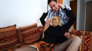 Maturenl - Naughty Housewife Fufking And Sucking Her Ass Off