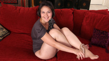 Maturenl - Shaved American Housewife Playing With Her Toy
