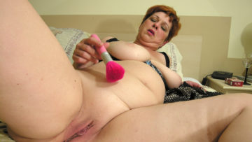Maturenl - Squirting Mama Makes Herself Ready Just For You