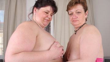 Maturenl - These Big Mature Lesbians Love To Eat Pussy