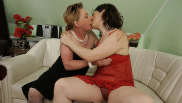 Maturenl - These Two Mature Sluts Love To Share Cock And Cum