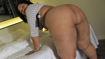 Maturenl - This Big Booty Mama Knows How To Please Herself