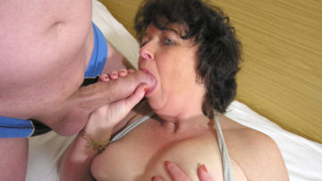 Maturenl - This Horny Mama Loves To Get Fucked By Two Guys