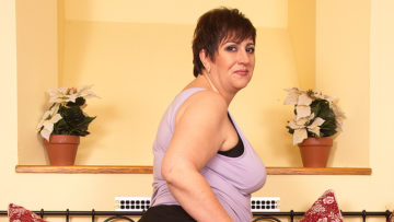 Maturenl - This Horny Mature BBW Loves To Play Alone