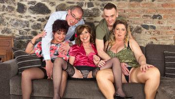 Maturenl - Three Mature Ladies Fucking And Sucking Two Guys